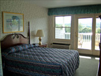 North Conway Mountain Inn Queen Room